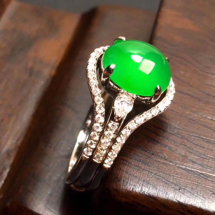 阳绿冰种翡翠戒指(蛋面)第5张