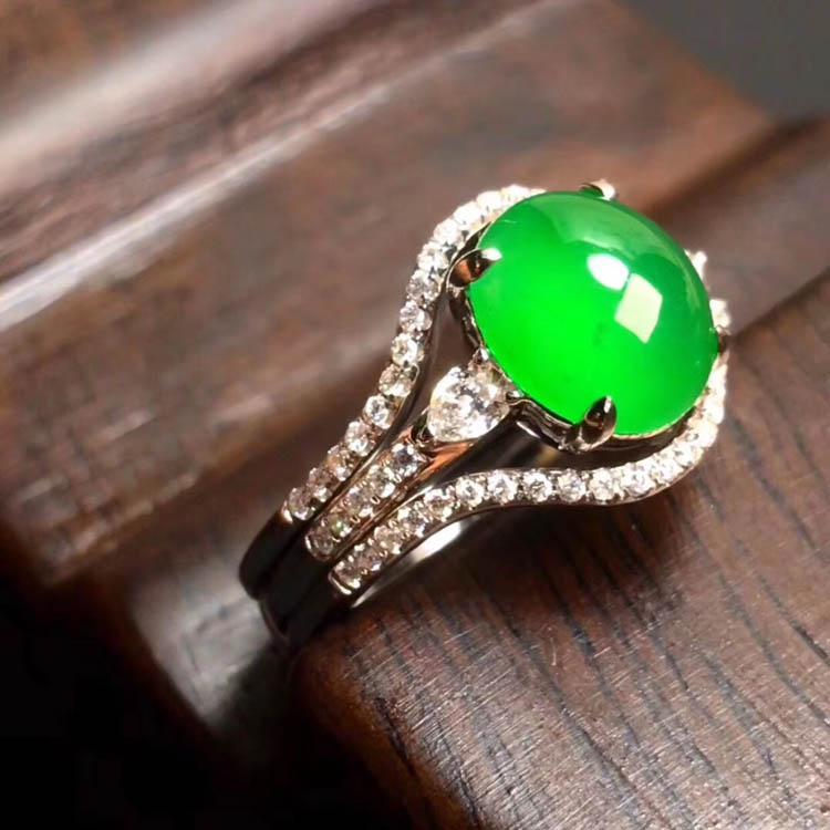 阳绿冰种翡翠戒指(蛋面)第4张