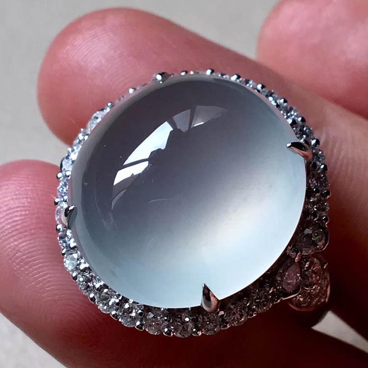 无色高冰种圆形翡翠戒指