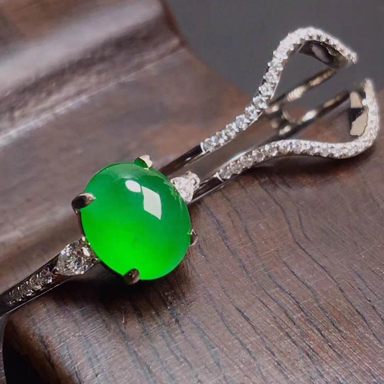 阳绿冰种翡翠戒指(蛋面)第6张