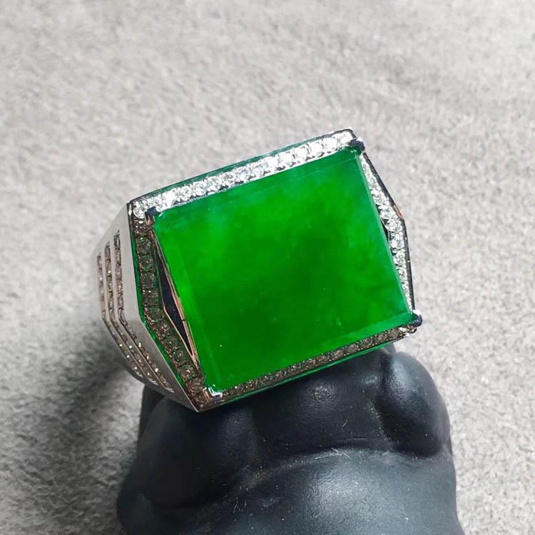 冰种正阳辣绿方形翡翠戒指第4张