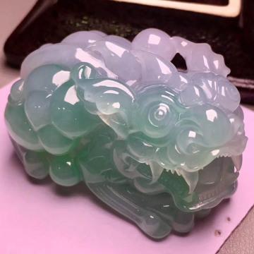 【貔貅】冰糯种飘绿翡翠摆件