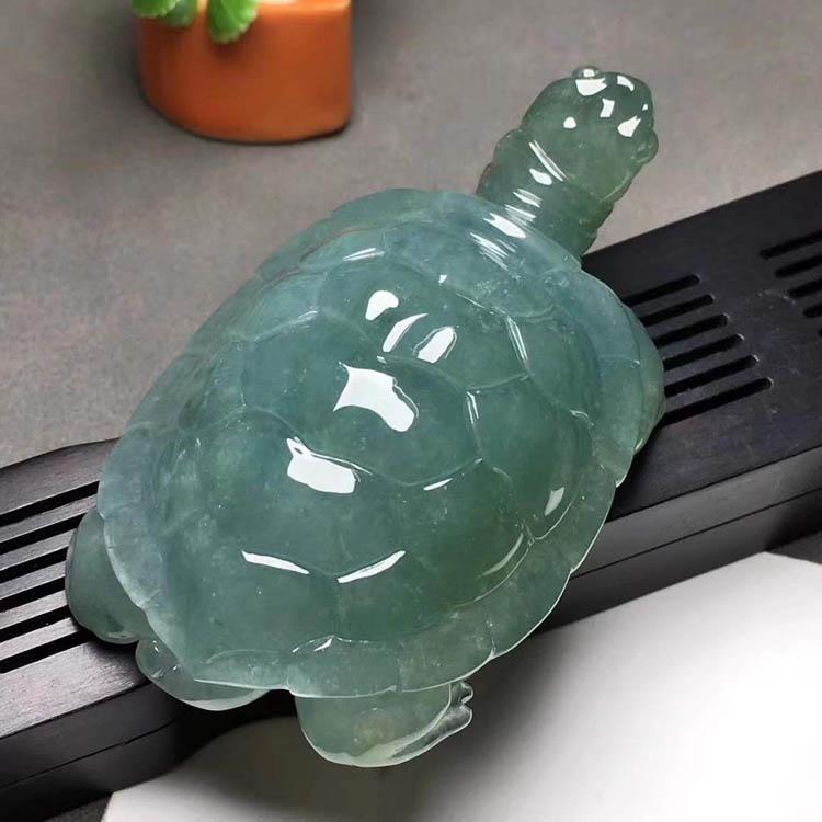 【长寿龟】蓝色糯冰种翡翠摆件第1张