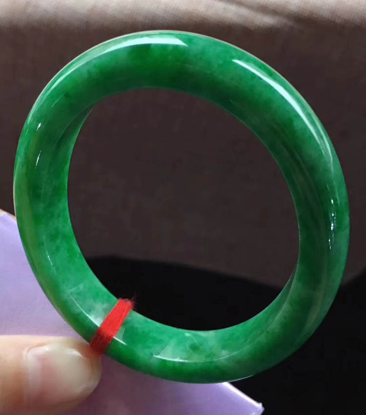 糯种满绿翡翠手镯(贵妃54mm)