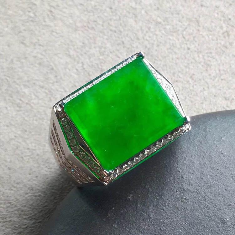 冰种正阳辣绿方形翡翠戒指第5张