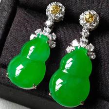 高冰种阳绿葫芦翡翠耳坠