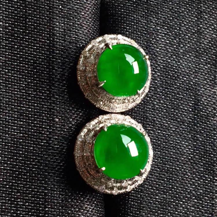 高冰种阳绿翡翠耳钉(圆形)第5张