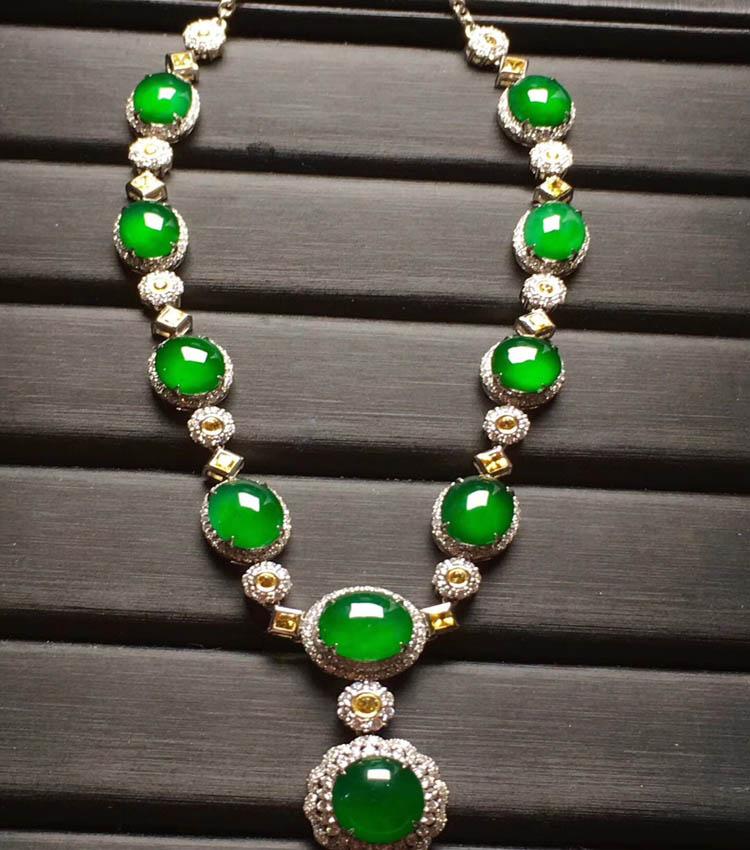 阳绿冰种翡翠项链(蛋面)第2张
