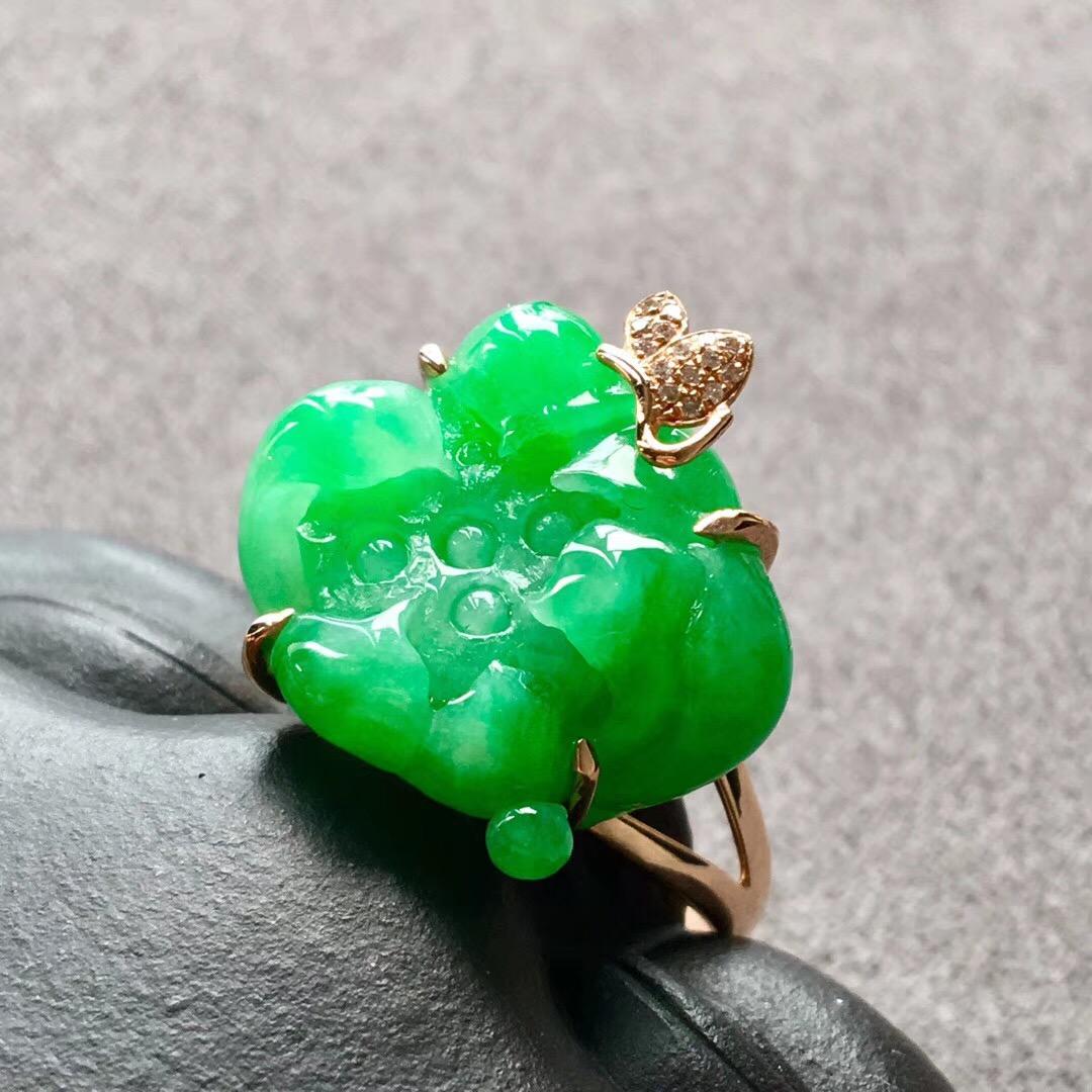 糯种满绿荷花翡翠戒指