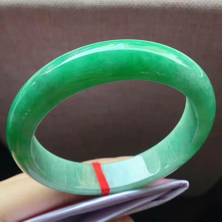 糯种满阳绿翡翠手镯(正圈57mm)