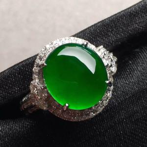 高冰种帝王绿蛋面翡翠戒指