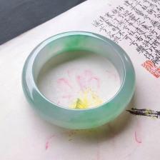 飘阳绿冰糯种翡翠手镯 正圈