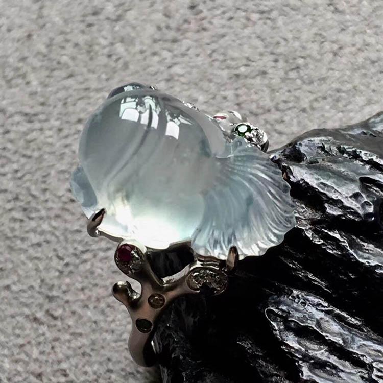 高冰种无色金鱼翡翠戒指