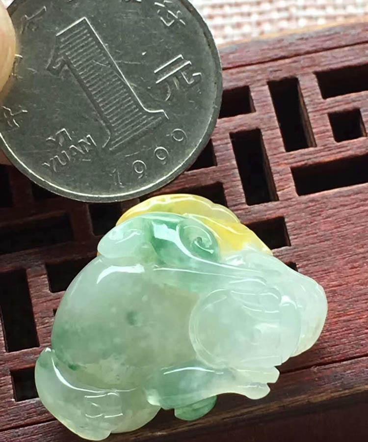 糯种黄加绿金蟾翡翠摆件第4张