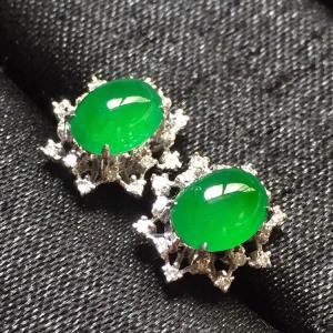 冰种阳绿翡翠耳钉