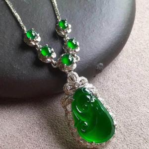 冰种帝王绿如意翡翠项链