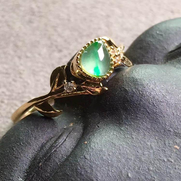冰种晴水翡翠戒指