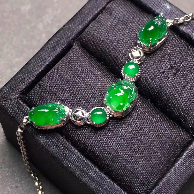冰种阳绿貔貅翡翠手链第2张