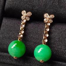 糯种阳绿圆珠翡翠耳坠
