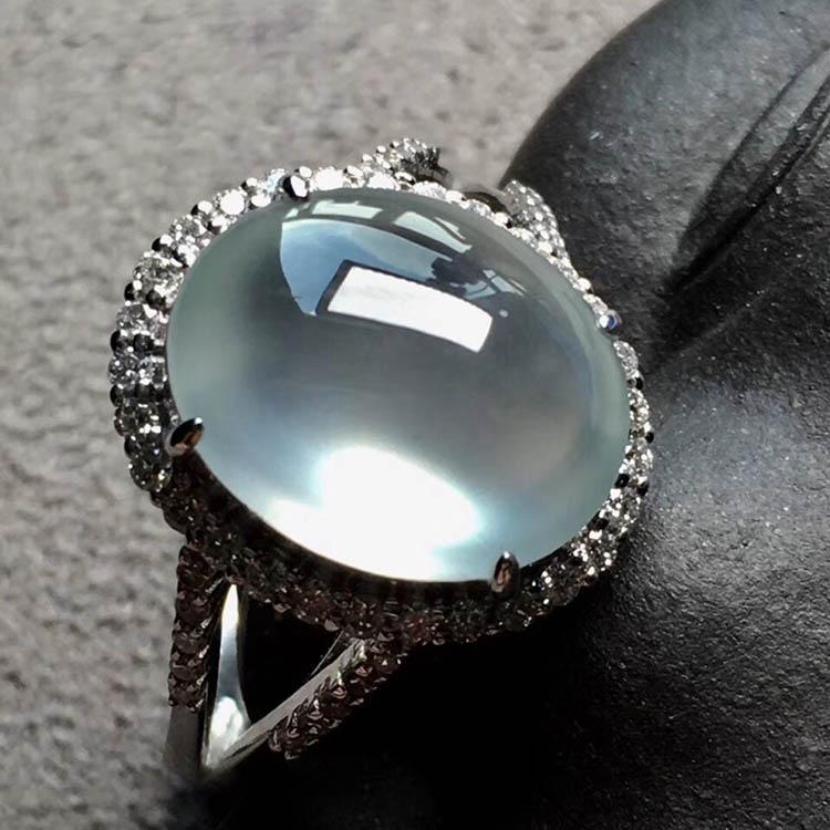 玻璃种无色蛋面翡翠戒指第1张