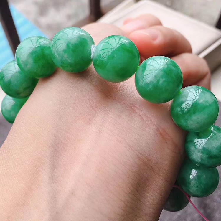 豆种满绿珠珠翡翠手链第3张