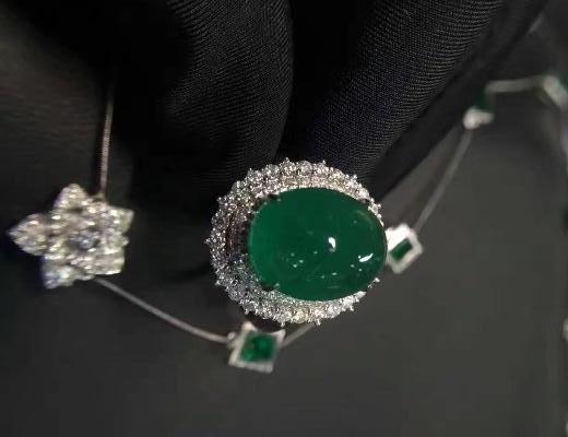 翡翠和宝石有什么区别?
