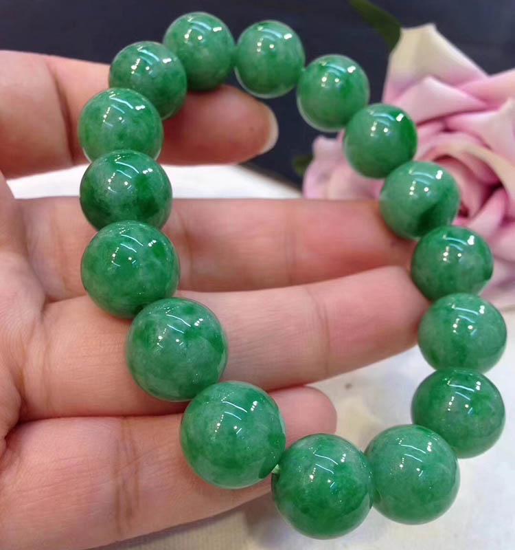 豆种满绿翡翠手链