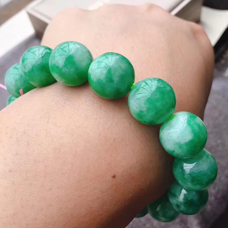 豆种满绿珠珠翡翠手链第4张