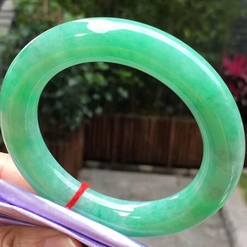 糯种满绿圆条翡翠手镯