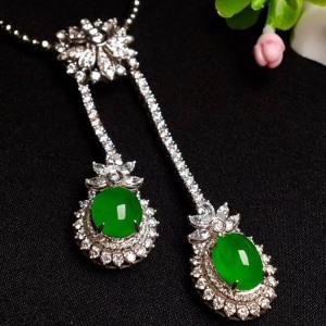 冰种阳绿色翡翠项链