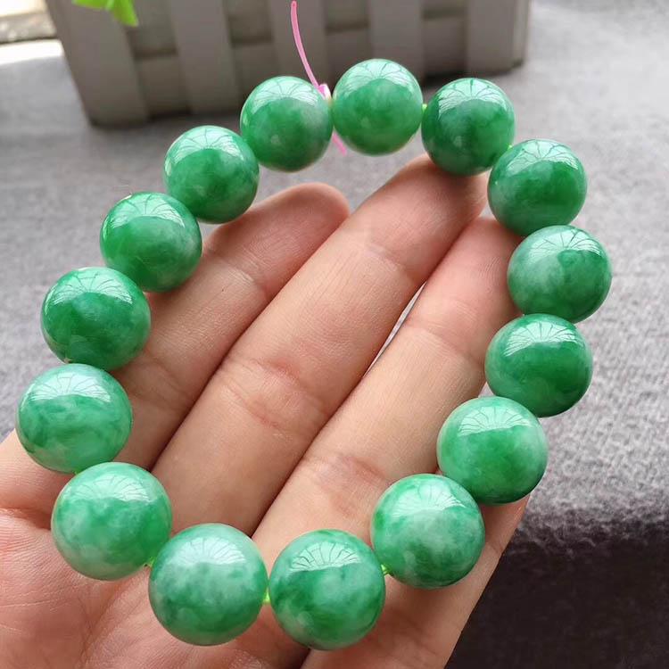 豆种满绿珠珠翡翠手链第5张