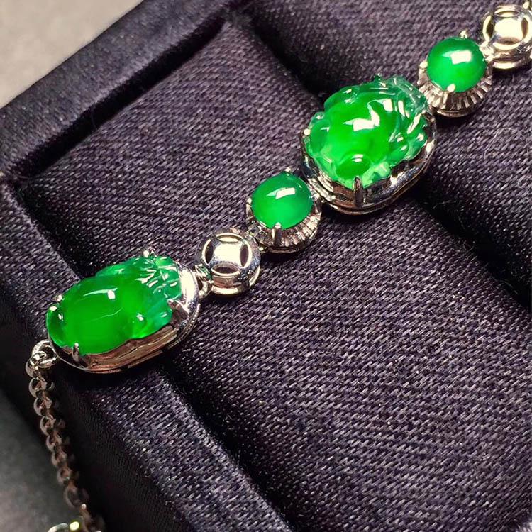 冰种阳绿貔貅翡翠手链第6张