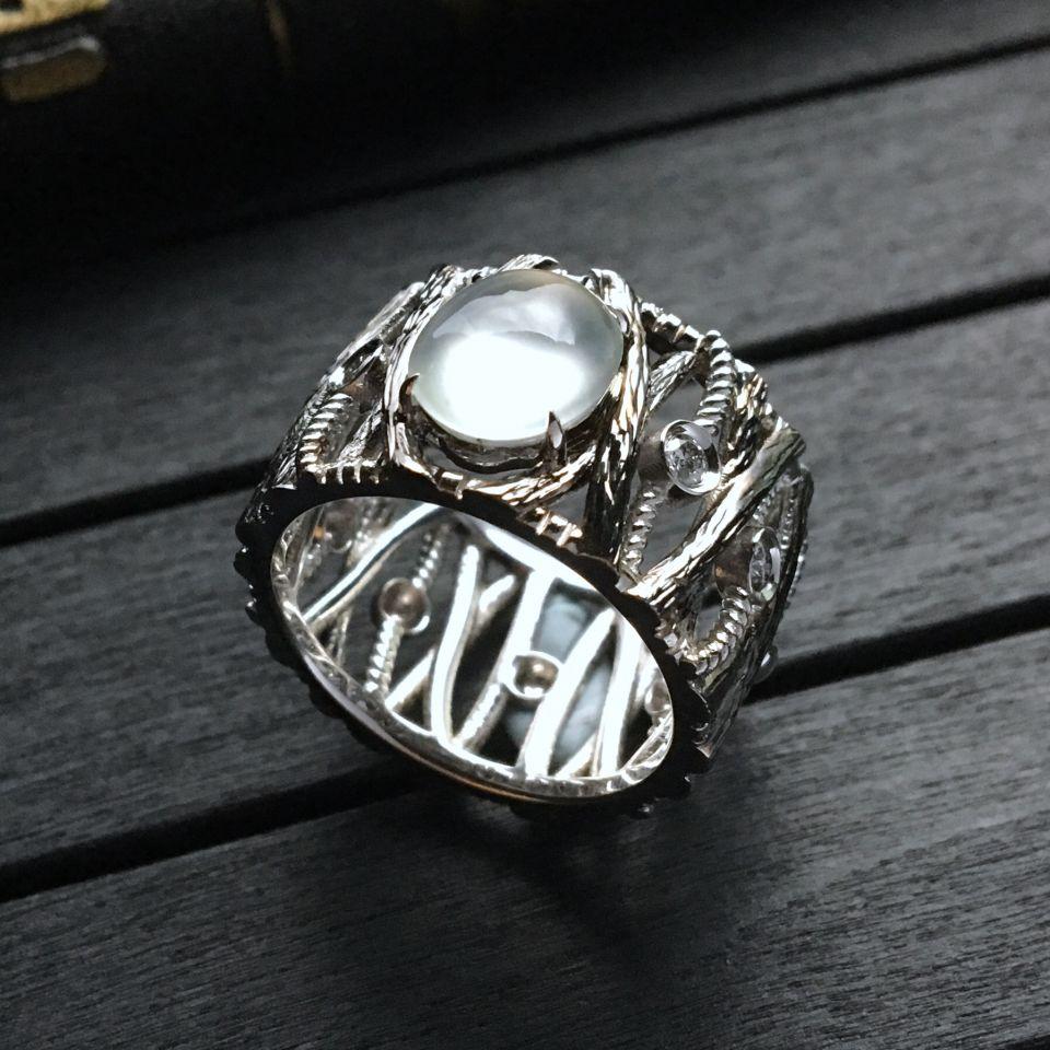 無色玻璃種翡翠戒指 鑲白金鉆石
