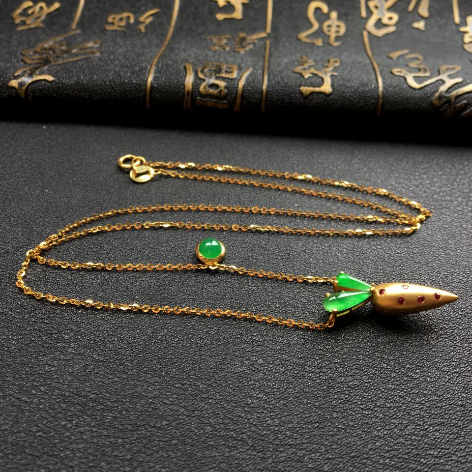冰种飘翠胡萝卜锁骨翡翠项链 镶18k金红宝石第4张