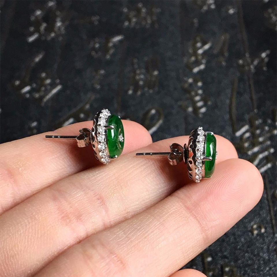 冰种浓绿翡翠耳钉镶白金钻石第2张