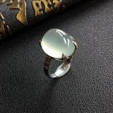 晴水冰种翡翠戒指镶白金钻石