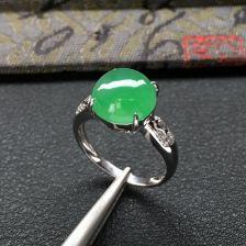 冰种绿晴水翡翠戒指 镶白金钻石