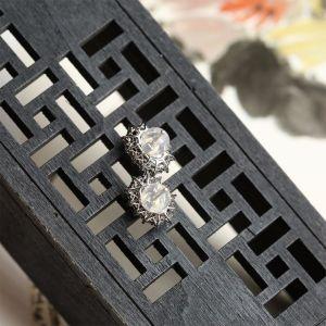 冰种翠色翡翠耳钉 镶白金钻石