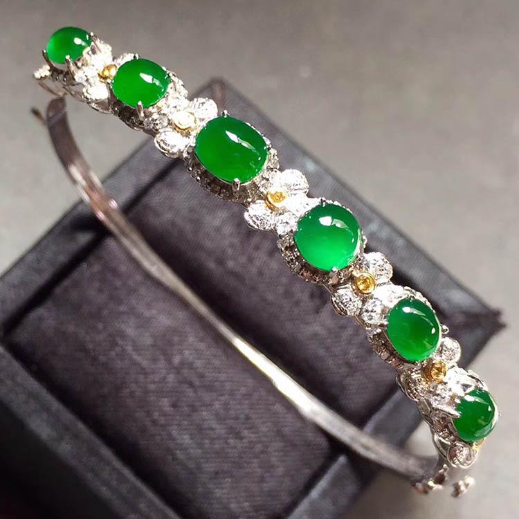 冰种阳绿蛋面翡翠手环