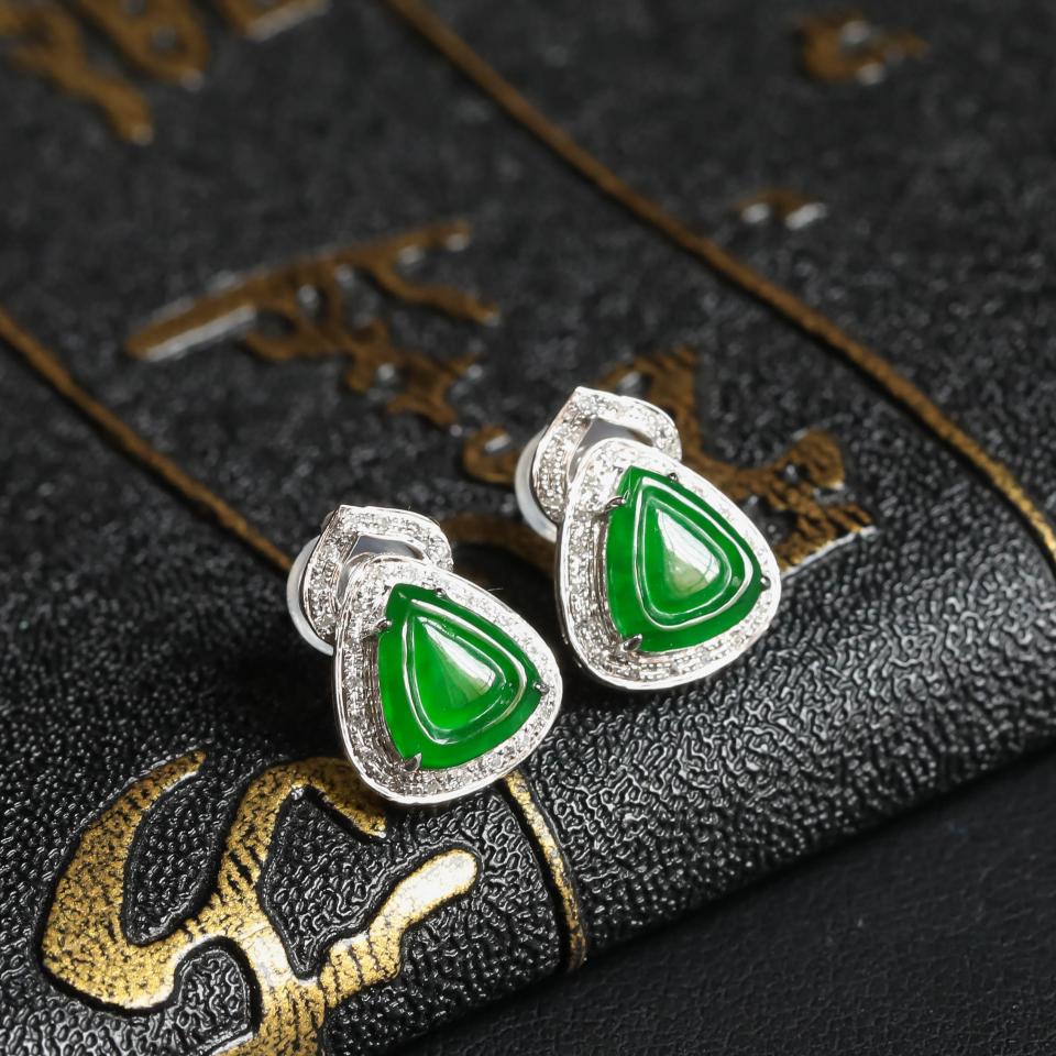 阳绿冰种翡翠耳钉 镶白18K金钻石第2张
