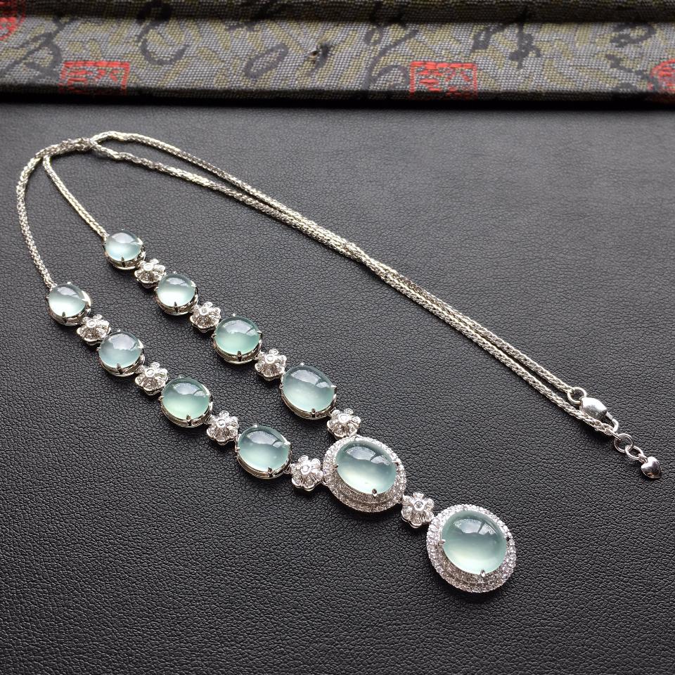 冰种晴水晚装翡翠项链 镶白金钻石