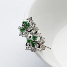 阳绿冰种夏花翡翠耳钉 镶白金钻石