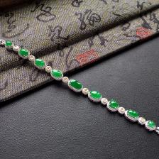 冰种/糯冰种阳绿翡翠手链 镶白金钻石