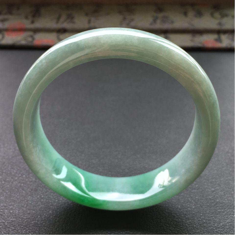 冰种飘绿翡翠手镯 (圆条)第3张