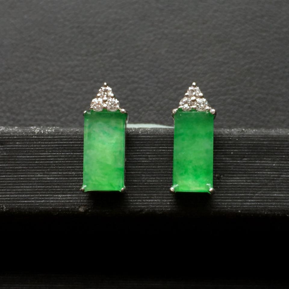 冰种飘翠平安牌翡翠耳钉一对 镶白金钻石第3张