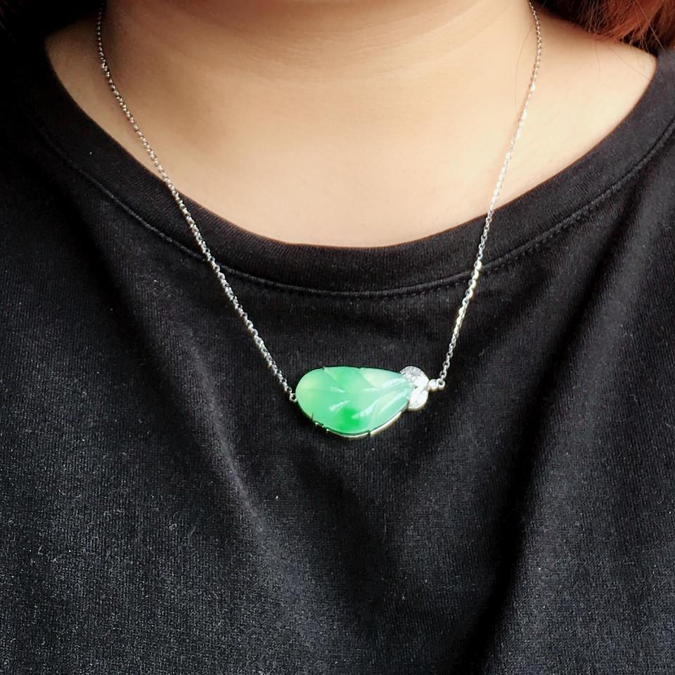 飘翠冰种玉叶翡翠锁骨项链 镶白金钻石第8张