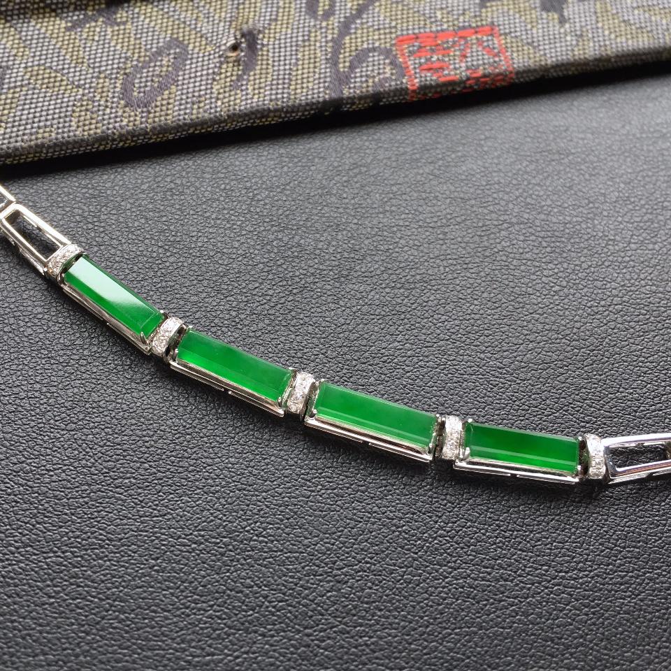 冰种深绿方形翡翠手链 镶白金钻石第3张