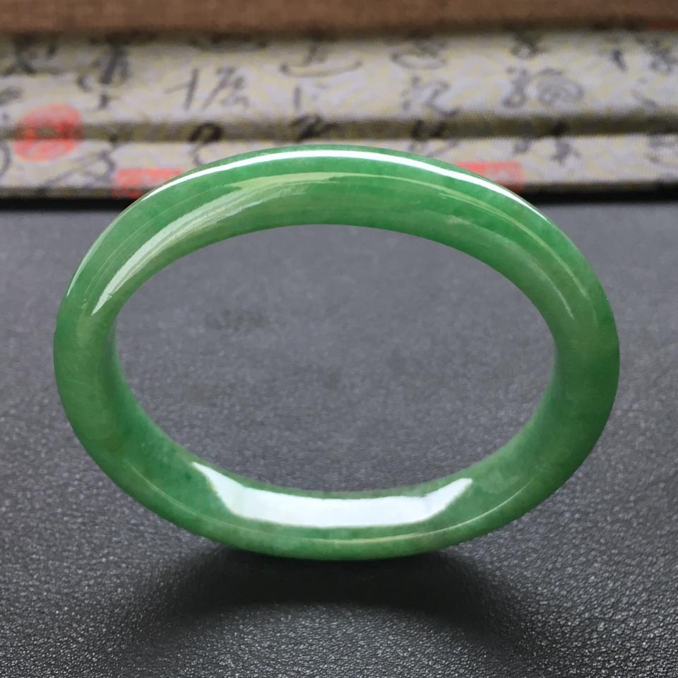 冰种满绿翡翠手镯 (贵妃)第3张