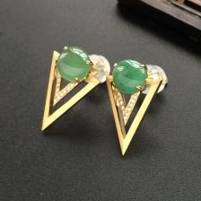 晴水糯冰种翡翠耳钉 镶黄18k金钻石