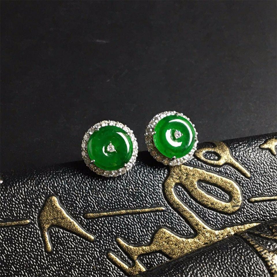 冰种浓绿翡翠耳钉镶白金钻石第4张